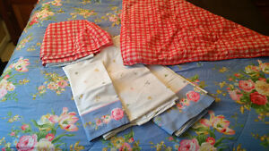 Bed in a Bag (double/full size, reversible, 2 matching sets)