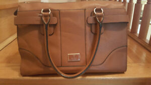 GUESS BAG/PURSE/TOTE BROWN/CARAMEL/BEIGE