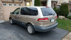 2003 Toyota Sienna CE (Remote Starter Included)