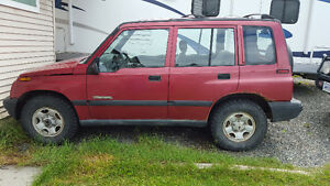 1998 Chevrolet Tracker SUV, Crossover