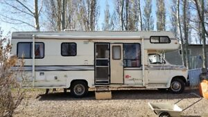 1987 Ford Travelaire (Cutaway)Motor Home low km