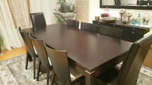 LARGE  RECTANGULAR EXTENDABLE TABLE DARK BROWN WITH 8X CHAIRS