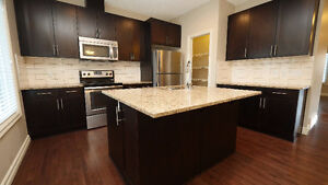 Spacious 3 Bedroom & 2.5 Bathroom Townhome in Magrath Heights!