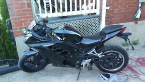 2018 ELECTRIC MOTORCYCLE WITH