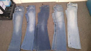 Lot of size 3/4 jeans