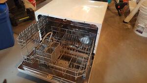 Danby Countertop Dishwasher Troubleshooting : 160 00 danby portable dishwasher edmonton 17 08 2016 selling my danby ...