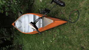 16 FT CANOE WITH ACCESSORIES