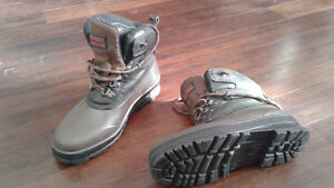 Womens Sorel Hiking boots size 8