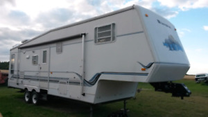 32Ft SunnyBrook 5th Wheel