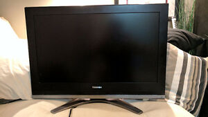 """Toshiba 32"""" Inch 32HL57 LCD HDTV - GREAT Condition 100% working"""