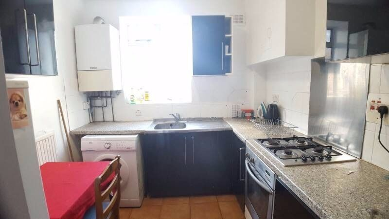 Double room available in a shared flat in Chelsea