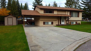 House for Sale  Salmon Arm - Well Maintained & Clean