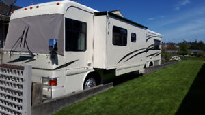 "2000 Country Coach ""Intrigue"" 40'"