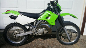 2004 KDX220 Dirt Bike