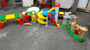 CHÂTEAU GARAGE fisher price