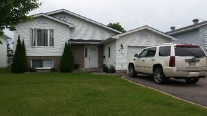 Beautiful HOUSE FOR RENT in Pembroke, Ont (near Hospital)