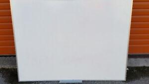 3 x 4 White Board Quartet Whiteboard very good condition