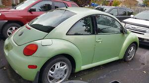 2001 Volkswagen Beetle Coupe (2 door) Hatchback - $2500