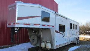 Lakota 3 horse 5th wheel cabin trailer
