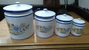 Ceramic Canister set with lids (Food storage containers)Japan