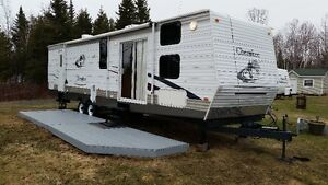 38 foot cherokee park trailer 2005