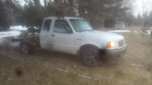 2001 Ford Ranger white Pickup Truck