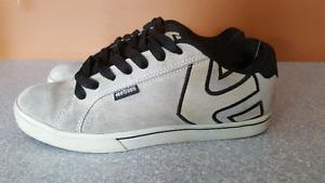 DC skater shoes Size 8.5