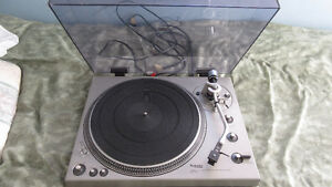 Technics SL-1300 Direct Drive Turntable