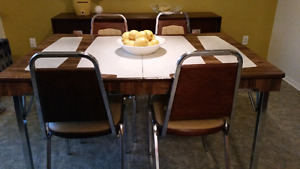 Table et 4 chaises vintage