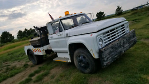 1979 Ford F-600 Tow Truck