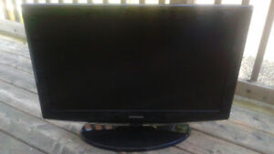 """Samsung LN-T3253H 32"""" LCD HDTV - FOR PARTS OR REPAIR"""