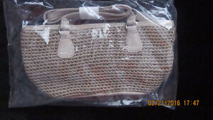 3 Different Avon Purses ALL BRAND NEW London Ontario image 4