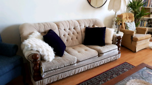 Couch / sofa / chesterfield