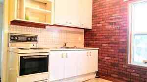 Cute Cozy and Bright 2Br near intercity