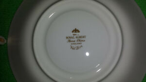 """Royal Albert """"Val D'or"""" Cup & Saucer Cambridge Kitchener Area image 10"""