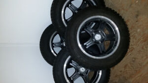 Enssemble pneus/mags d'hivers pour Jeep Patriot ou Compass