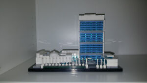 Complete Lego Set - United Nations Headquarters (21018)
