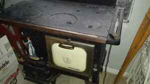 Antique working wood stove London Ontario image 2