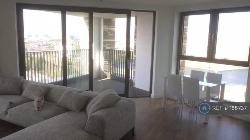 2 bedroom flat in Bramwell Way, London, E16 (2 bed)