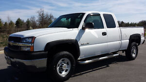 2004 Chevrolet Silverado 2500HD, 5th Wheel Equipped
