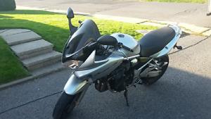 Moto Suzuki Bandit 1200S
