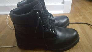 Dexter winter boots. Size 12.