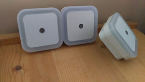 BRAND NEW Square LED Automatic Night Light 1W - $3 each FIRM