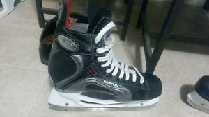 Slightly used Easton Synergy 900 ice skates