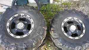Tires and wheels for razor