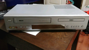 RCA VHS DVD player combo with Remote!
