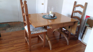 Vintage Drop Leaf Dining table & 4 chairs EUC