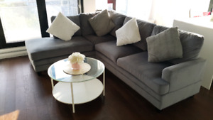 Sectional sofa with Free coffee table