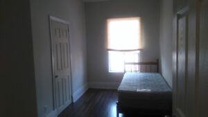 BEAUTIFUL and SPACIOUS Shared Apartment with Rooms Available!