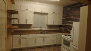 2BR West Hill Main Floor Suite For Rent-Newly Renovated